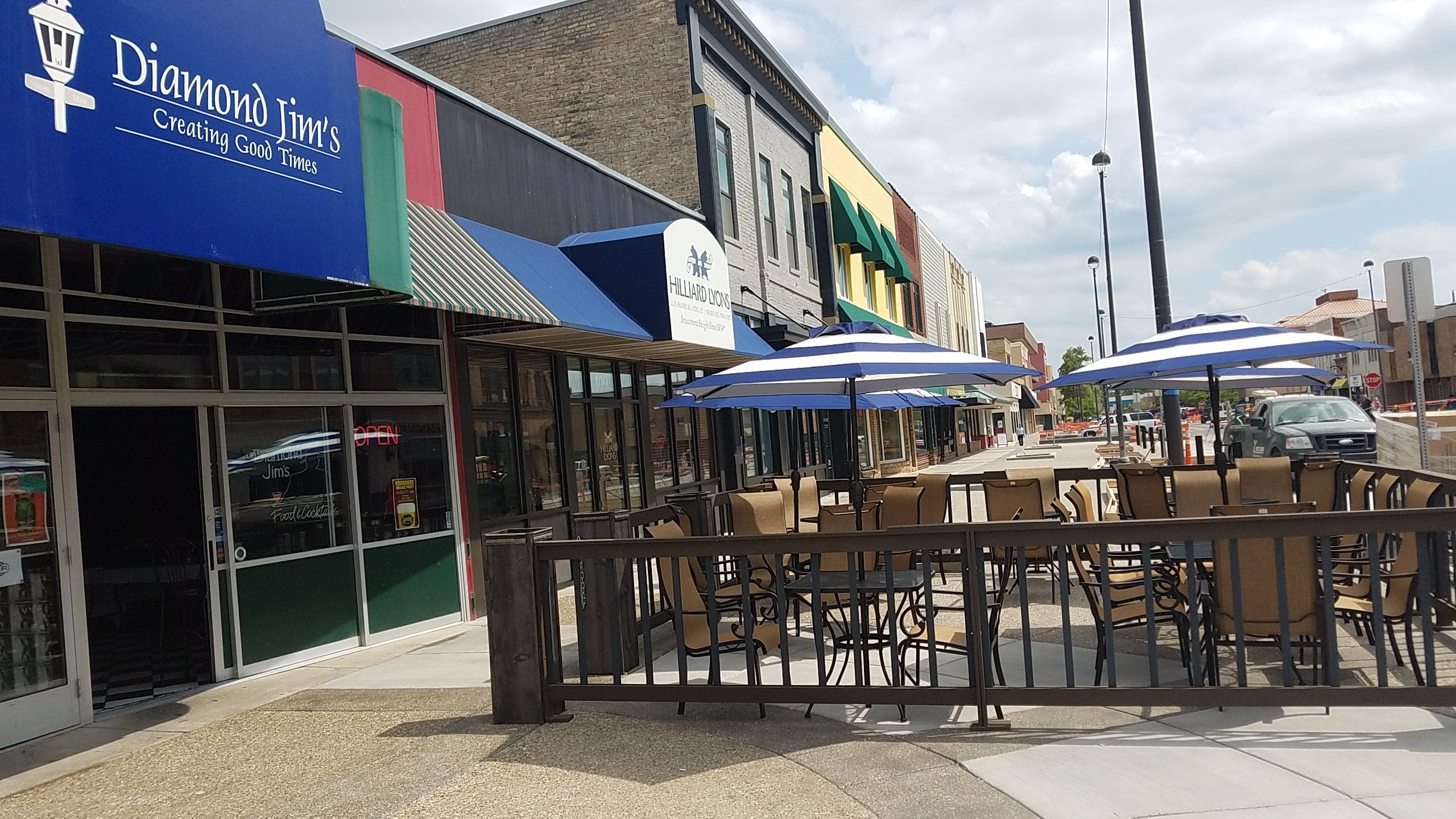 Downtown Midland outdoor patio seating